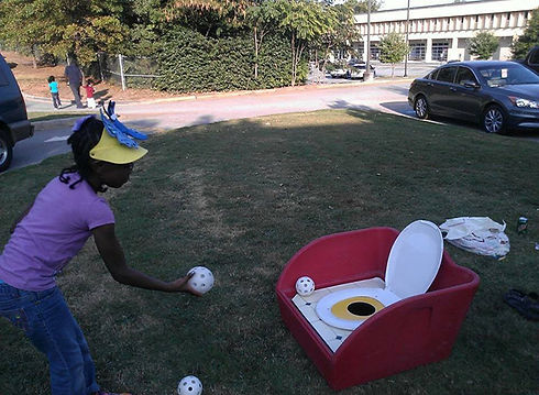potty-toss-game1.jpg