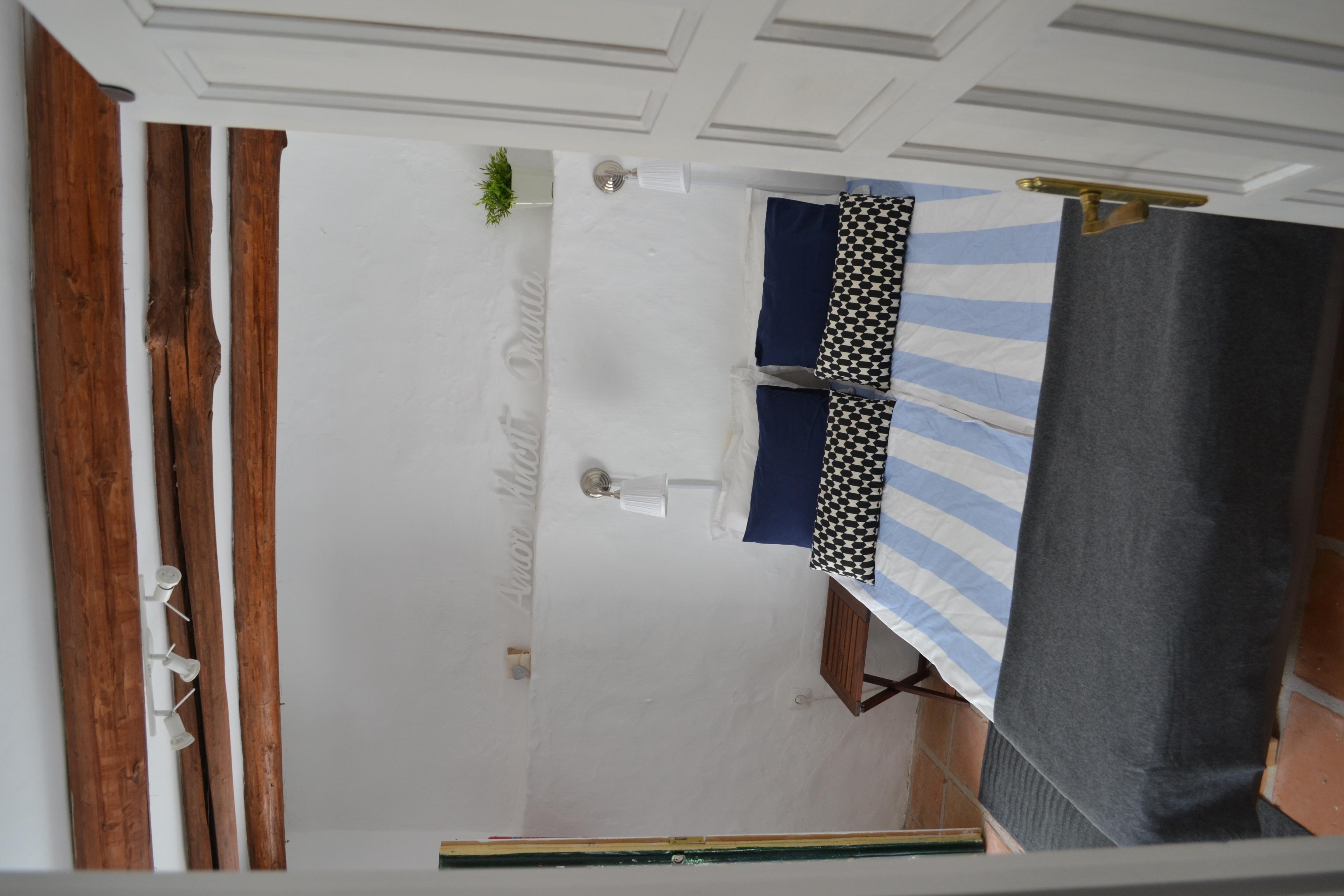 cómoda cama doble de Granada