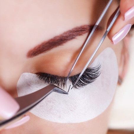 How to care for extended eyelashes to last longer