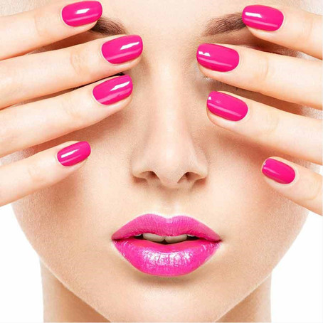 Why choose a hybrid manicure