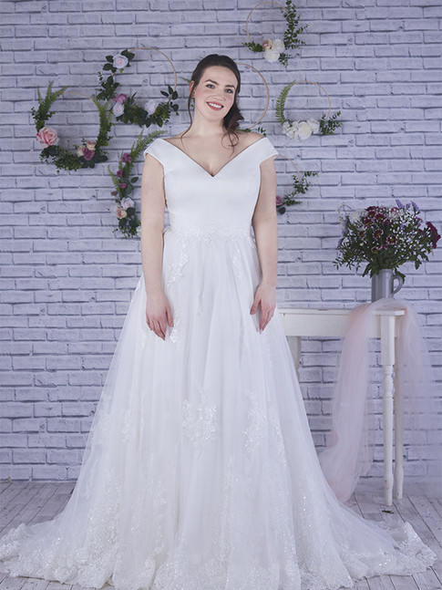 Avril - by Angel B Curve - £1199