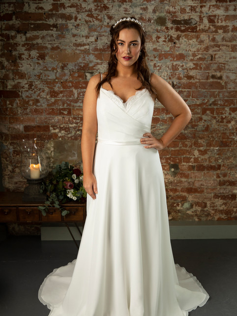 Izzy - by True Curves - £1199