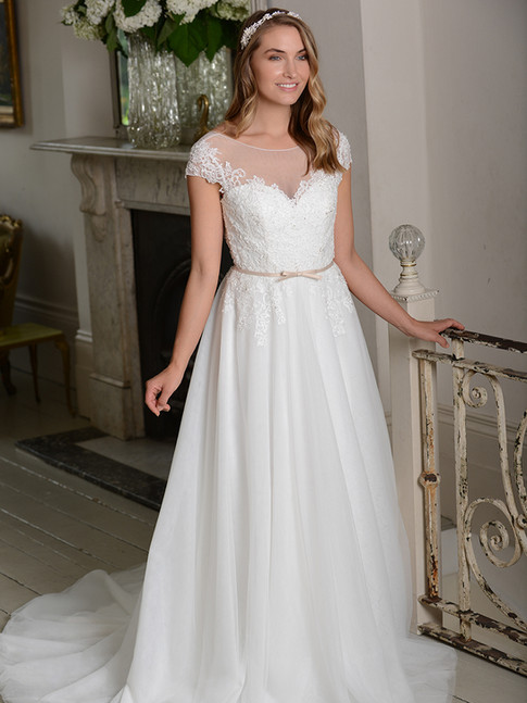 Victoria - by Millie May - £799
