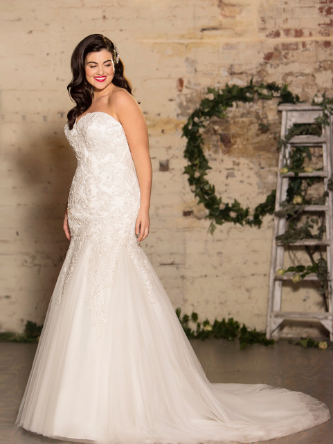 Monroe - by True Curves - £1749