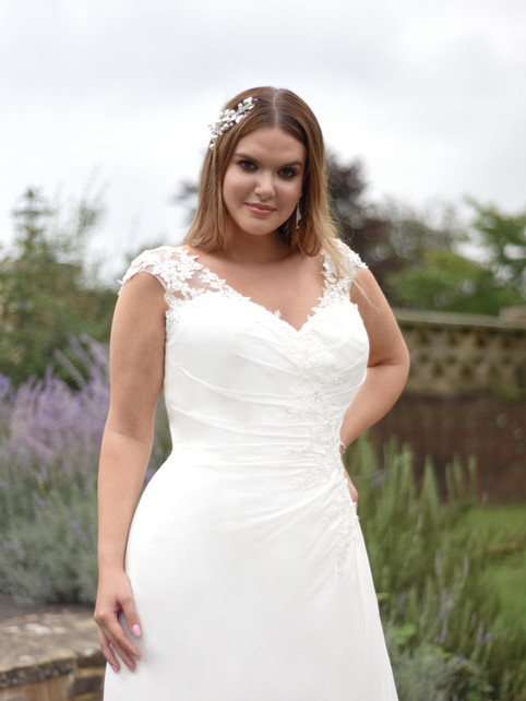 Bree - by True Curves - £1249