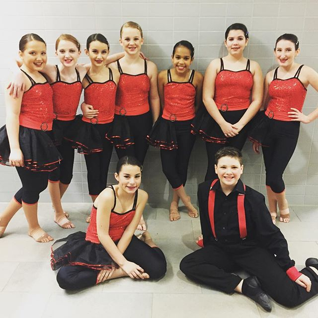 Junior Team getting ready to perform!! #teamrns #rnsdancestudio _turnitupdance #jazz