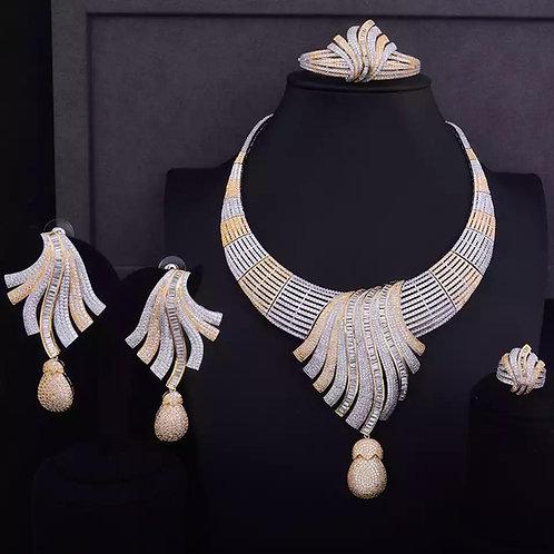 Luxury Feathers Choker  Necklace
