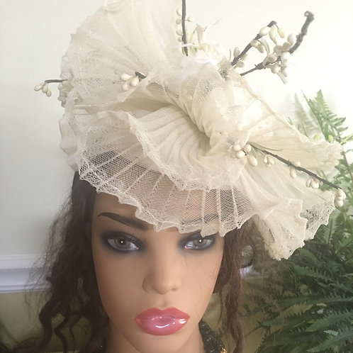 Royal Fascinator Hat