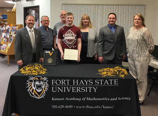 Tanner Welsh signs with the KAMS program at FHSU!