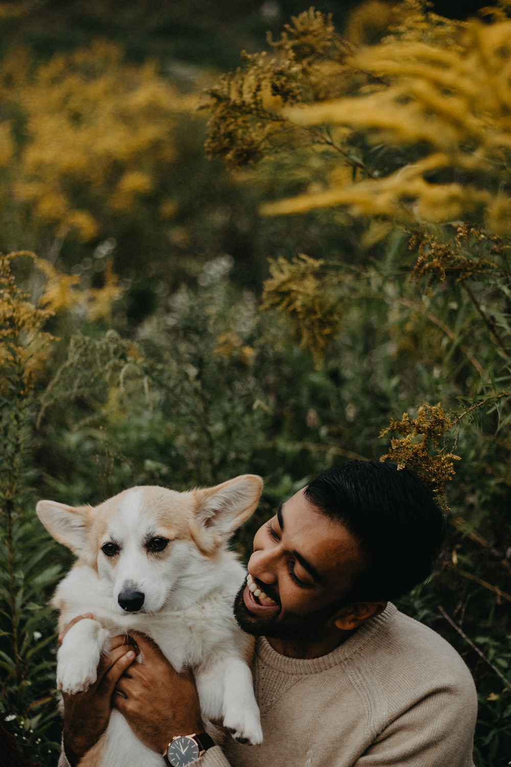 Dog friendly Couples Session in Pittsburgh, PA by Taylor Slusser Photography located in York, PA
