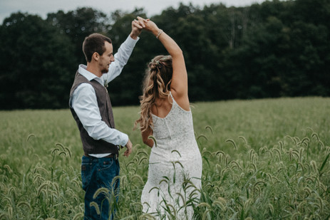 Rustic Outdoor Wedding in Central, PA with Boho style bride by Taylor Slusser Photography - York, PA based Wedding and Lifestyle Photographer
