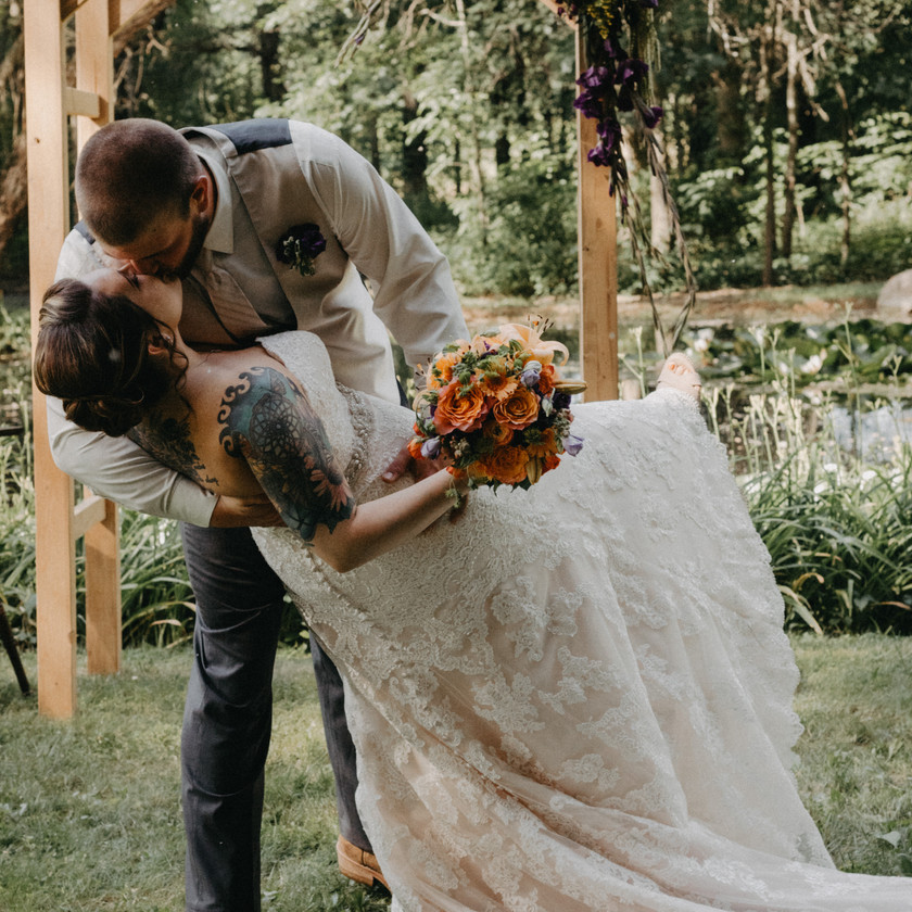 Rustic Wedding in South Central PA by Taylor Slusser Photography - Photographer located in York PA