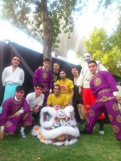 Junto a la Opera de Beijing