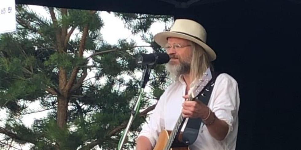 Livemusik med Christoffer Lundquist