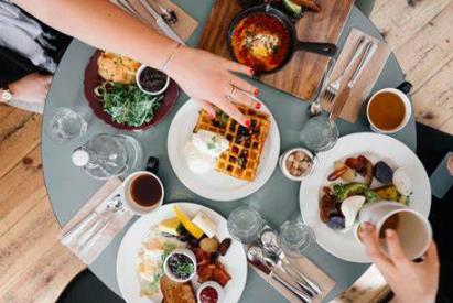Dining Rewards Programs Reviewed: IGH vs. Hilton vs. Marriott