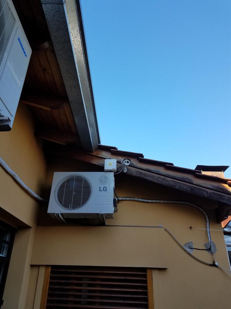 Cámara ip Foscam HD 720p en exterior con caja estanca de conexionado
