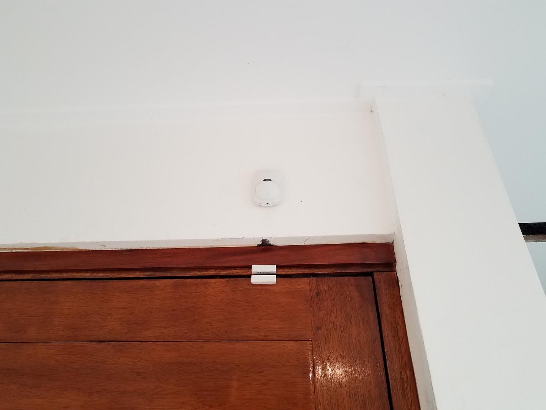 Sensor de movimiento pir infrarrojo y sensor magnético de apertura