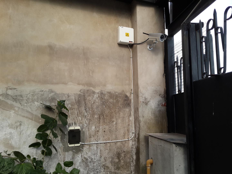 Cámara ip Foscam VGA 640x480 en exterior con caja estanca de conexionado