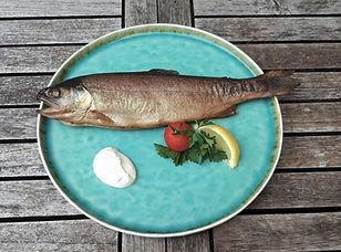 Räucherfisch, geräucherter Fisch, Forelle von der Jagersimmerl-Fischerei
