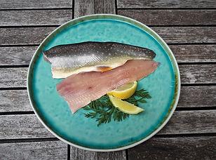 Frisches Saiblingsfilet von der Jagersimmerl-Fischerei, AlmFische Produkt