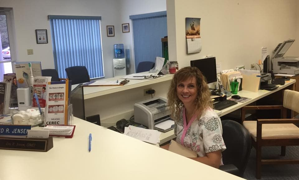 Receptionist Tina