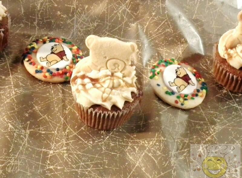 Winnie_the_Pooh_Cookies_and_Cupcakes.jpg