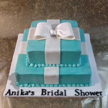 Bridal_Shower_Black_Cake2.jpg