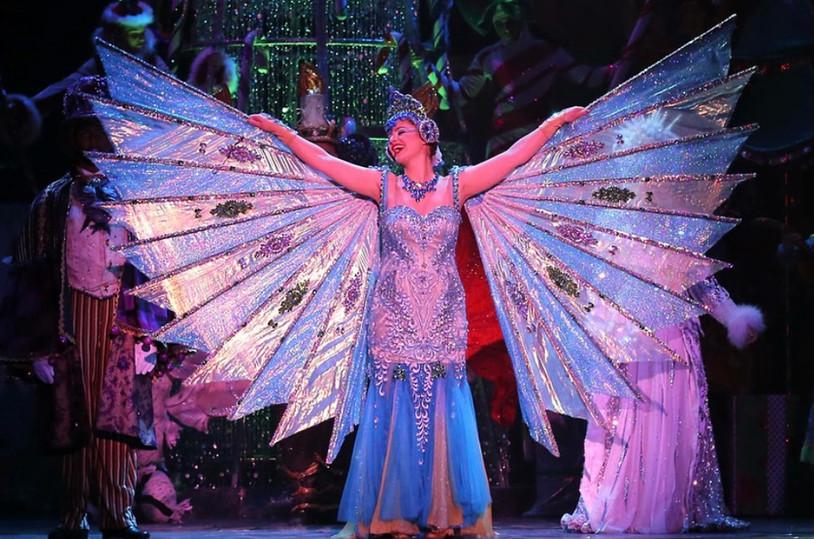 "Cirque Dreams ""Holidaze"" as Singing Angel"