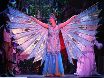 Returning to the Bedazzled Cirque Dreams Holidaze Cast for the 2018 Season