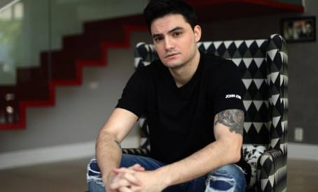Felipe Neto bate ibope de emissoras de TV com live