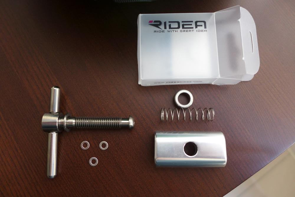 MiniMODs titanium clamping lever on RIDEA hinge plate