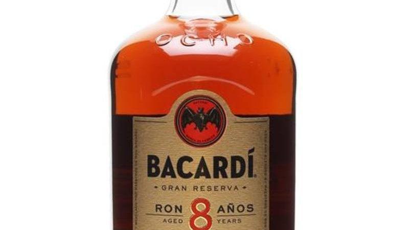 Bacardi 8 jaar 1.0 Ltr