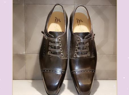 フランチェスコ ベニーニョ(靴ひもが・・・)