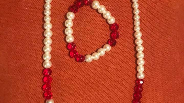Innocent Faux Pearl Necklace and Bracelet Set