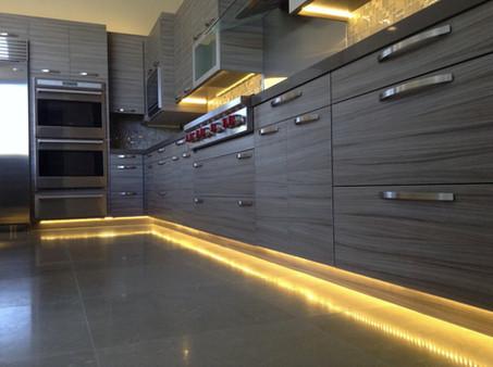Under-Cabinet-Lighting.jpg