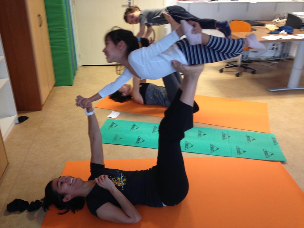 Yoga enfant Pays de Gex  CSC Les Libellules