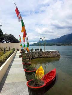 Zoé's Paradise Waterfront Hotel Lake Toba