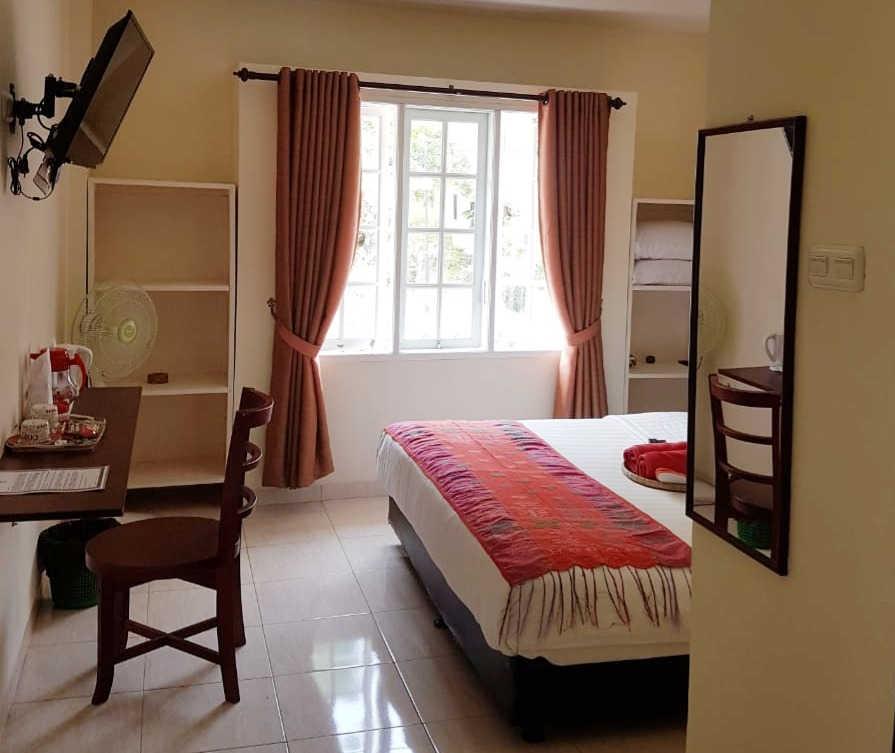 budget room Zoe's Paradise Waterfront Ho