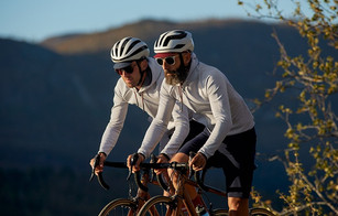 Cafe Du Cycliste: Solenne Hoodie and Renée Shorts
