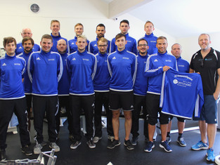Neue Saison, neue Ausrüstung – die Zweite Mannschaft des SG Kempenich/Spessart startet mit neuen Pul