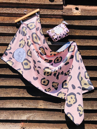 Sky Gazer Beach Towel - pink