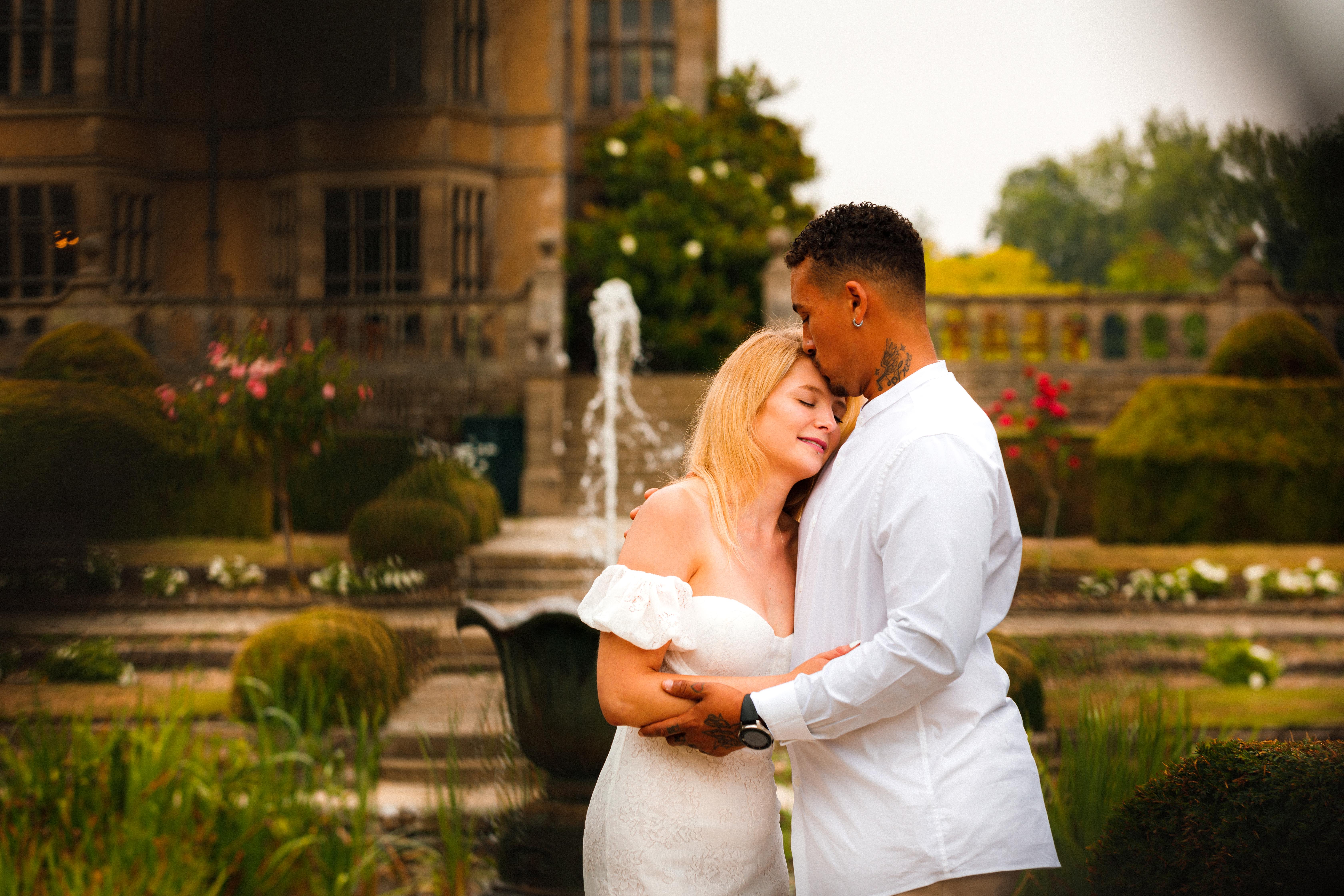 Kent Wedding Photographer| Kent Wedding photograph| Fanhams Hall Ware