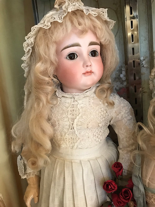 Size 10 Long Tailed Wig