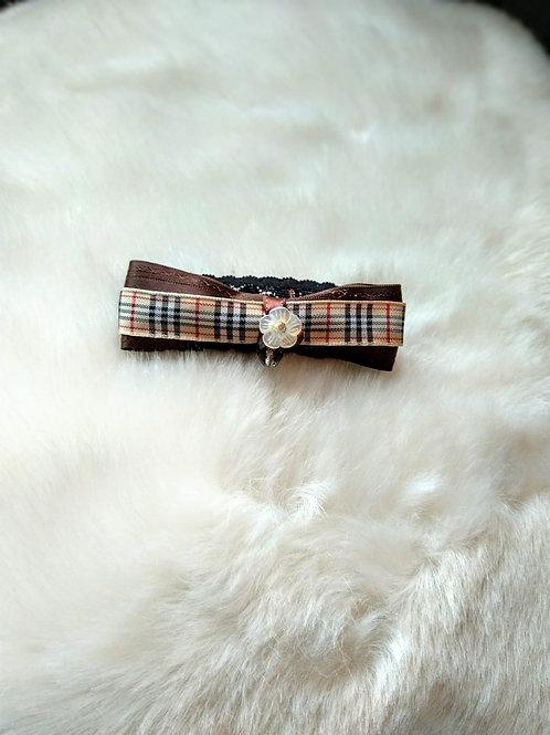 Hair pin 髮夾 /Mother of Pearl 珍珠貝殼(12mm) /Tiger Eye 虎眼(2mm)/ Smoky Quartz 茶晶(2mm)