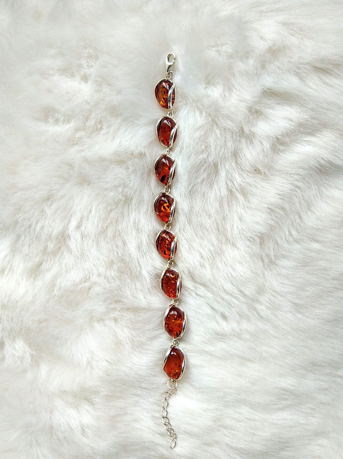 Bracelet 手鍊/ Amber 虎珀(8mm*15mm)/ Silver純銀 length: 21cm