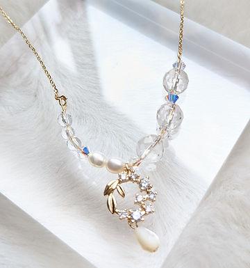 頸鏈、白水晶(8mm)、Swarovski水晶(4mm)、淡水珍珠(5mm)、貝殼珍珠(5mm)、鋯石、包14k金