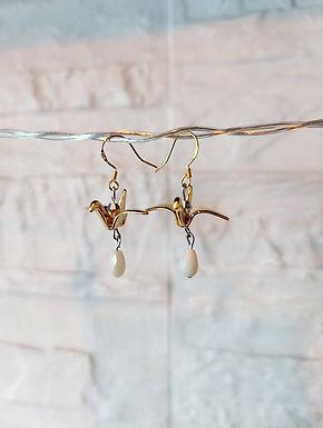 耳環Earrings/貝殼珍珠Mother of Pearl(5mm)/施華洛世奇水晶Swarovski(4mm)/鍍金Gold-plated