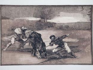 """""""Otro modo de cazarlos a pie"""". Serie La Tauromaquia. 1815 - 1816. Tirada de 1983, Calcografía Nacional.  Aguafuerte. y aguatinta. Huella 24x35 cms."""