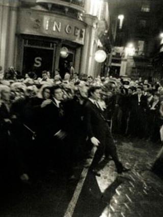 """""""Semana Santa. Malaga"""". 1965. Copia sobre papel lambda. 50x75 cms."""