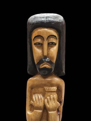 """PEDRO GILABERT GALLEGO (Arboleas, Almería, 1915 – 2008) """"Corazón de Jesús"""" Hacia 1980. 49x10x8 cms. Madera de olivo tallada"""